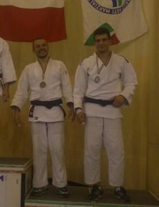 Antonio Giovanetti (Samurai Latina) a destra sul terzo posto del podio (23-3-2013)